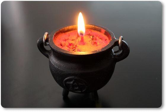 Recipiente con una vela